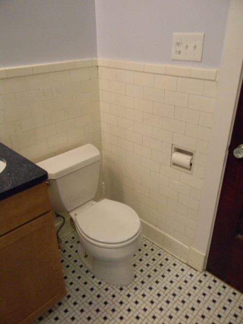 Tiled_bathroom_17